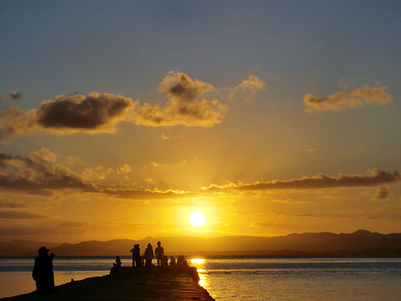 西桟橋からのぞむ夕日