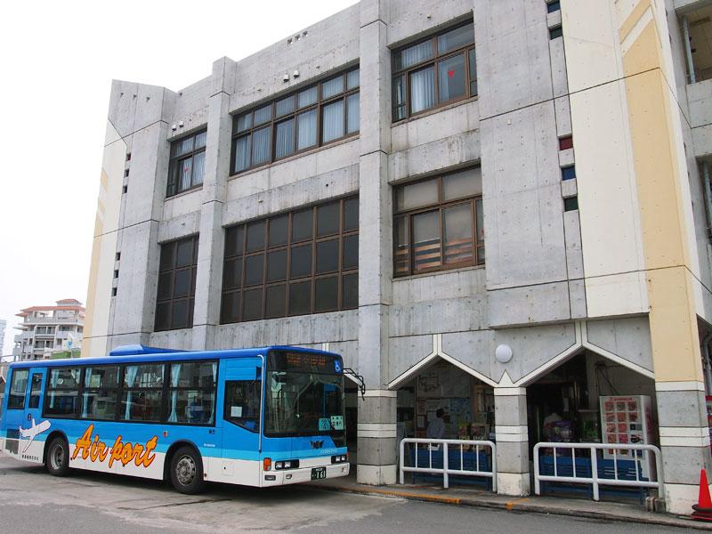 石垣島のバスターミナル
