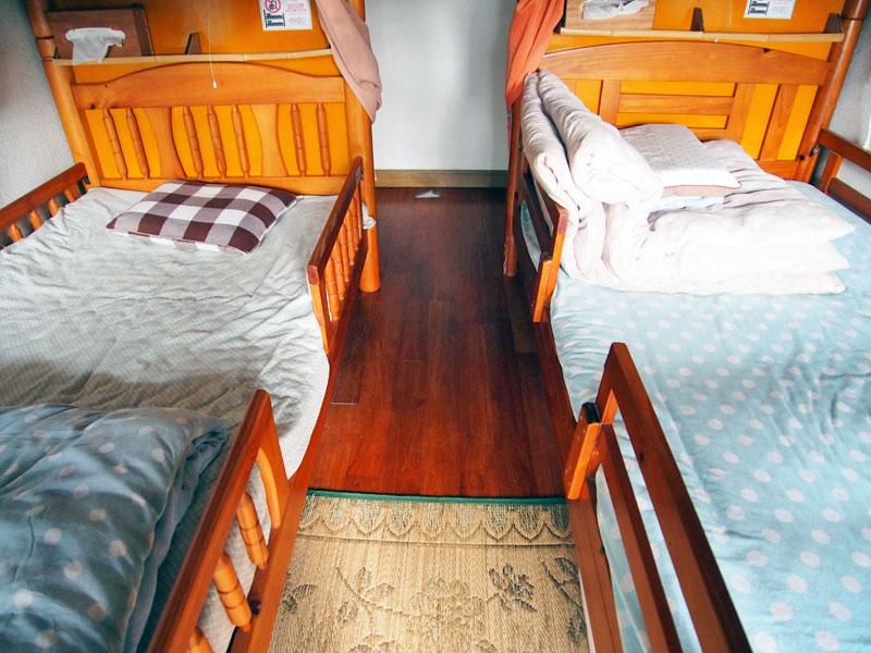 部屋の様子(2段ベッドの下段)