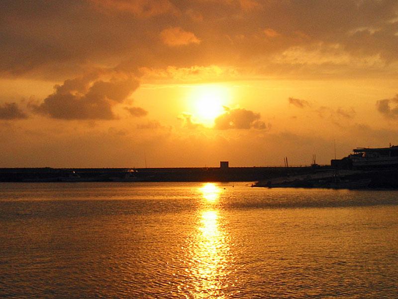 防波堤からの夕日